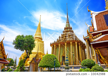 Wat Phra Kaew, Temple of the Emerald Buddha. The Grand Palace B 10042988