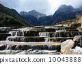 Yulong 눈 산과 Baishui 강 10043888