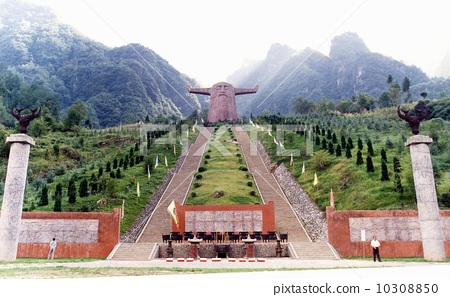 中国湖北神农架---神农氏祭坛 10308850