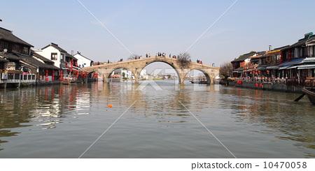 上海古鎮朱家角放生橋 10470058
