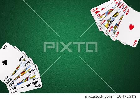 撲克桌上的撲克牌 10472588