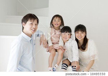 家庭嘈雜的樓梯 10495550