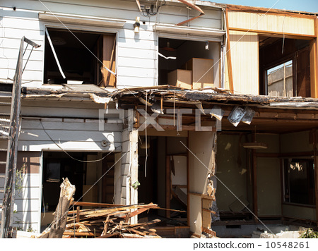 Demolition construction of houses 10548261