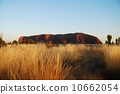 Ayers Rock 10662054