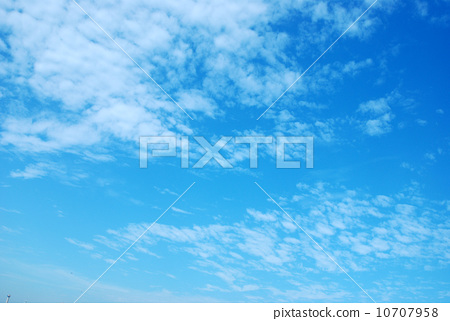 Blue sky and white clouds 10707958