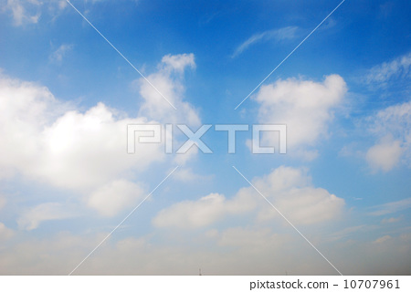 Blue sky and white clouds 10707961