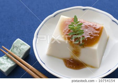 Sesame tofu 10754154