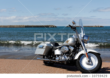Bike Touring Sea image 10759429