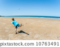 Boomerang Boy Beach Ocean 10763491