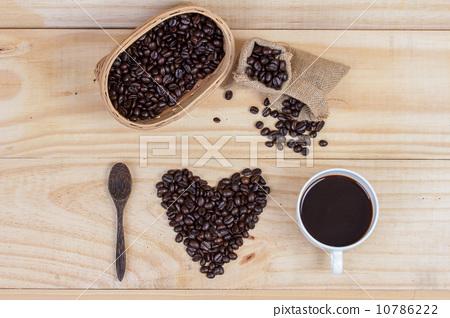 coffee beans in heart shape 10786222