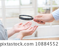 palm reading, magnifier, magnifying glass 10884552