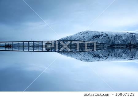 大海上的橋 10907325
