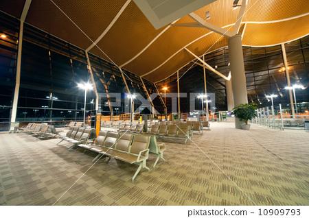Airport terminal building 10909793