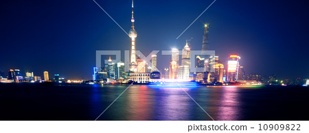 Shanghai Bund Night Scene 10909822