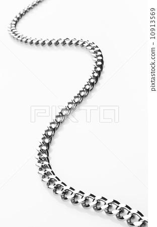 chain on white 10913569