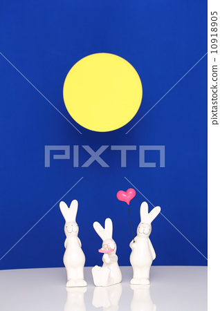 Moon viewing 10918905