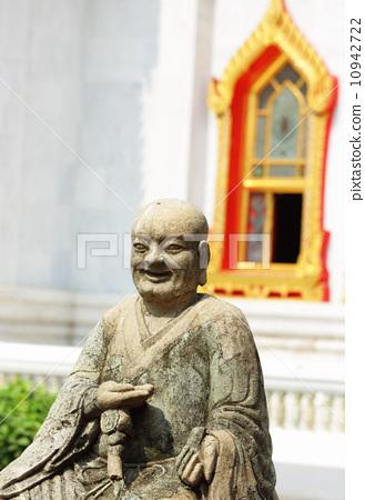Thailand temple entrance 10942722