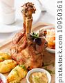 猪肉 关节 烘烤的 10950361