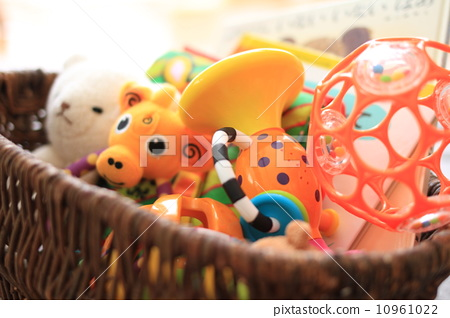 toy box 10961022
