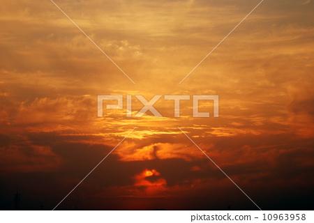 傍晚彩雲 10963958