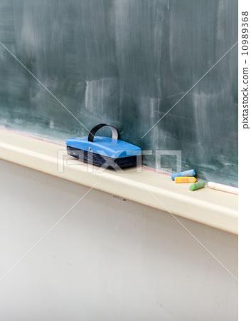 Blackboard eraser 10989368