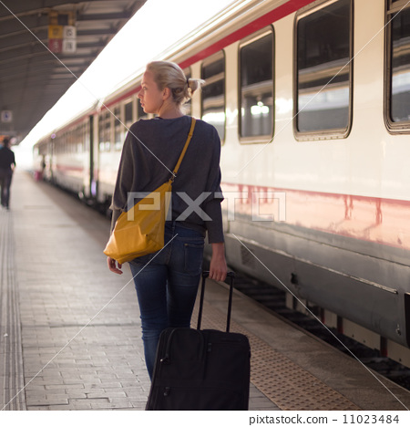 Lady waiting at the railway station. 11023484