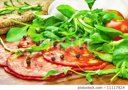 Sausage with lettuce, tomato, garlic and bread 11117824