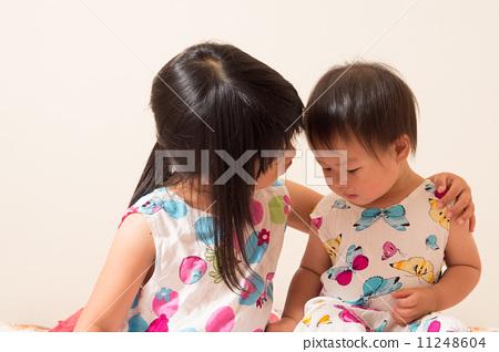 토론 어린이 자매 11248604