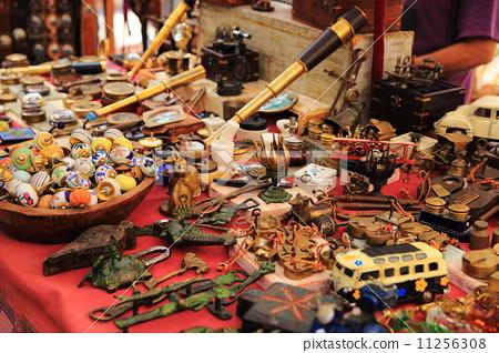 스페인 이비자 히피 시장의 골동품 11256308