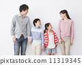 가족 4 명 11319345