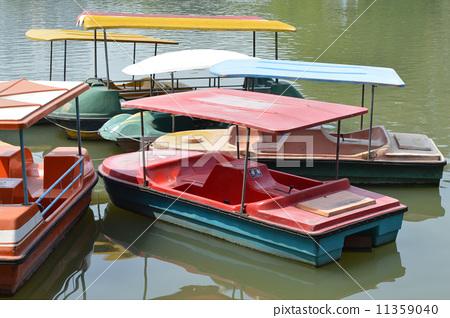 停泊的船 11359040