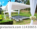 wedding marquee with bouquets of roses 11430655