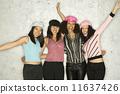 Group of women posing 11637426