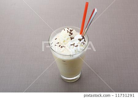 Ice caffe latte 11731291