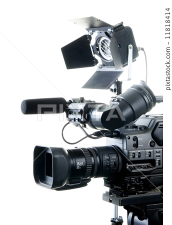 dv camcorder and light 11818414