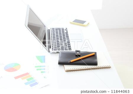 Desk work image 11844063