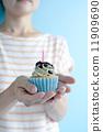 dessert, held, holding 11909690