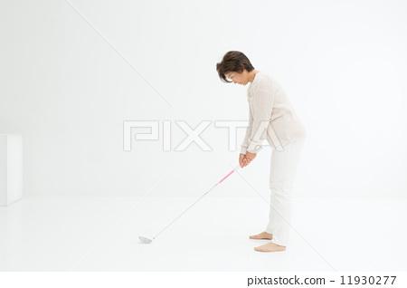 골프를 즐기는 여성 11930277