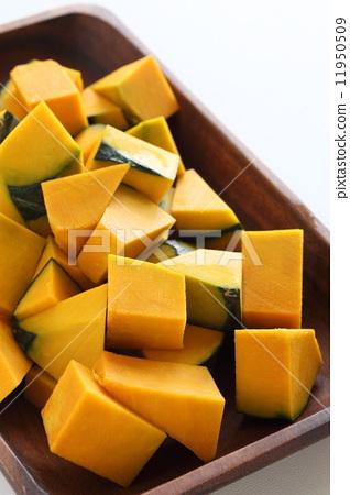 Preparing a pumpkin salad 11950509