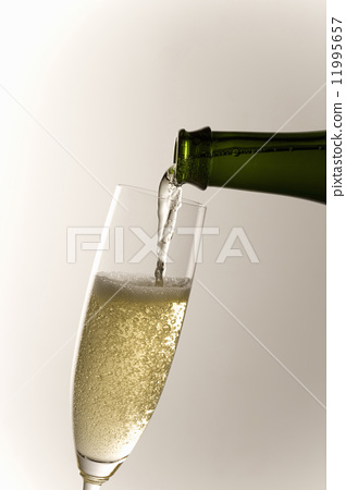 White wine 11995657
