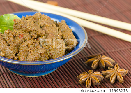 Rendang Daging - Dried beef curry with coconut milk and