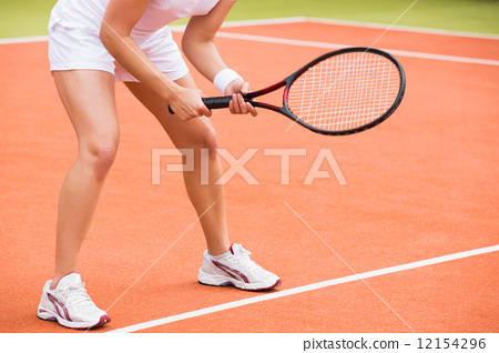 Tennis player ready to play 12154296
