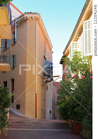 Cannes cityscape 12204246