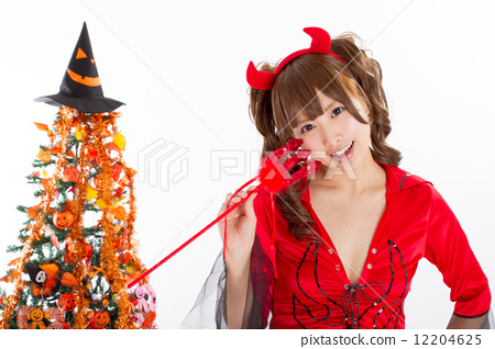 할로윈 여자 악마의 코스프레를 한 귀여운 여자 아이 12204625