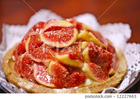 Fig tarts 12227663