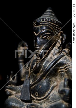 Ganesh statue 12298311