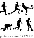 Set silhouettes of soccer players with the ball. Vector illustra 12376511