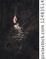 洞穴 石頭 岩石 12483514