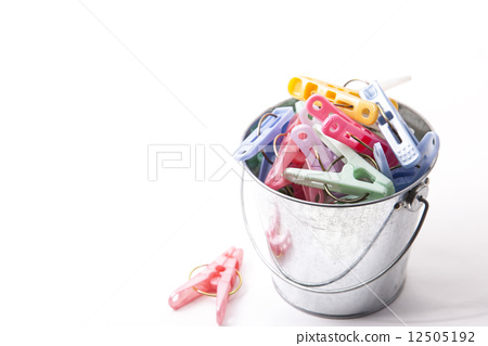 Wash clothes in a bucket 12505192