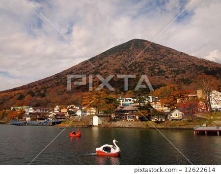 Autumn leaves of Lake Chuzenji Lake Tochigi Nikko 12622614